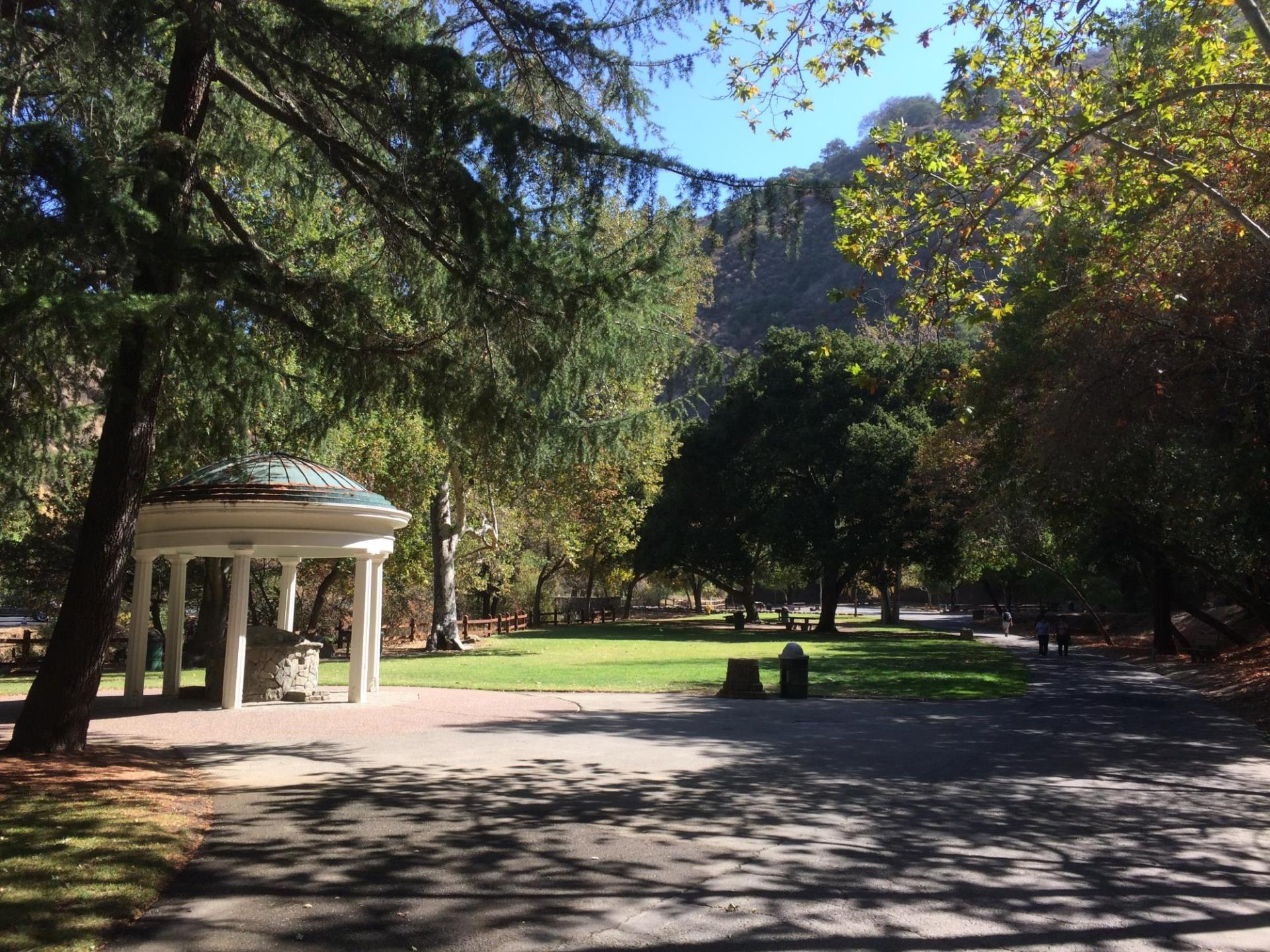 A picture of Alum Rock Park.